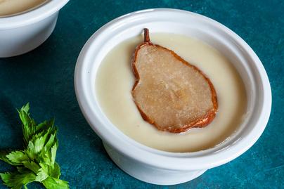 Fahéjas, vaníliás körtekrémleves: tejszíntől lesz selymes