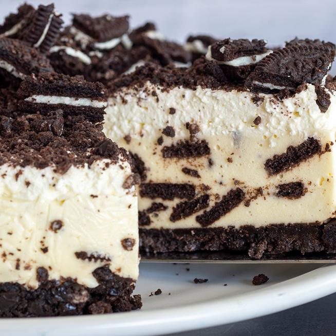 Ellenállhatatlan Oreo sajttorta: sütés nélkül készül a látványos desszert