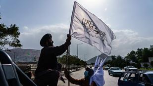 Miért fekete az Iszlám Állam és miért fehér a tálibok zászlaja?