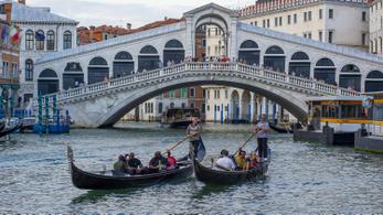 Megújult a velencei Rialto-híd