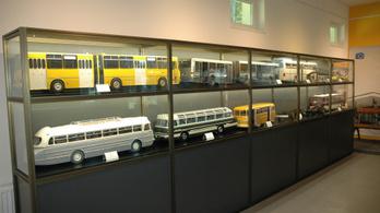 Zalaegerszegre vonultak a Közlekedési Múzeum Ikarusai