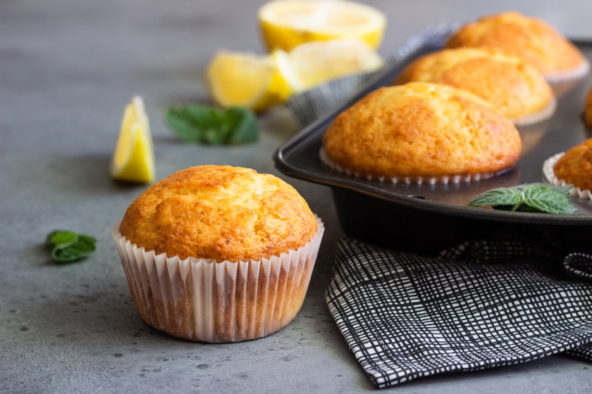 30 perces citromos-joghurtos muffin: bögrével is kimérheted a hozzávalókat