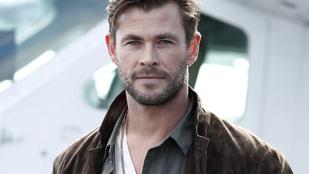 Eddig sem volt piskóta: a félmeztelen Chris Hemsworth megmutatta, hogyan gyúrja magát izomkolosszussá