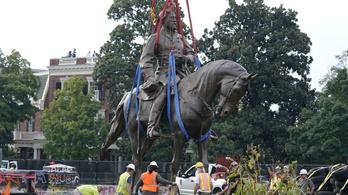 Eltávolították a rabszolgatartó Konföderáció tábornokának lovasszobrát
