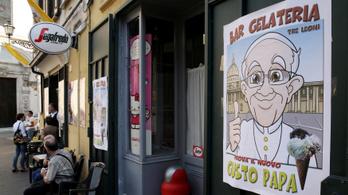 Ferenc pápa 15 ezer adag fagylaltot küldött a római raboknak