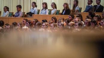 Oltás nélkül senki nem kezdheti meg tanulmányait a Semmelweis Egyetemen