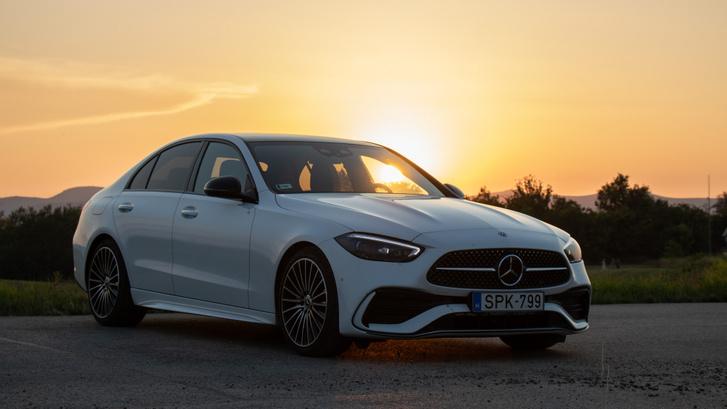 Nekem ez a tökéletes Mercedes, mert már mindenre elég, de még nem tolakodóan nagy és vezetni is jó