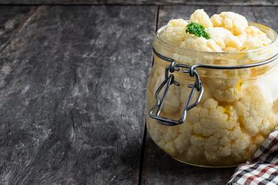 Ízletes ecetes karfiol télire – Sültek mellé, de magában is eheted