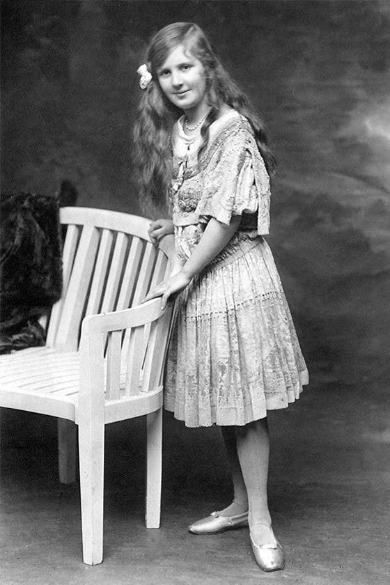 Jeanne Lanvin lánya, Marguerite 1910-ben.