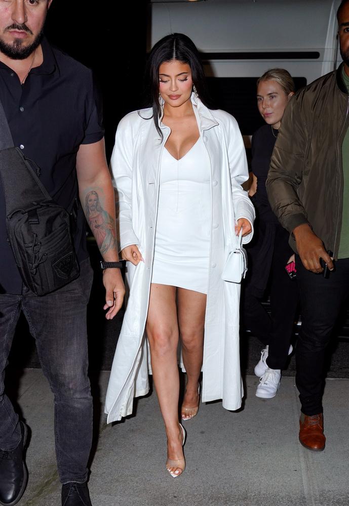 A Kardashian-klán legfiatalabb tagja a Revolve eseményére igyekezett ebben a szerkóban.