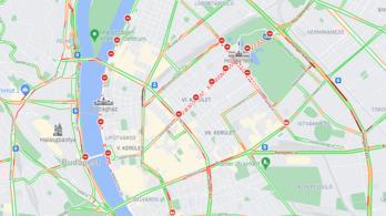 Korlátozás az M3-ason és M1-esen, lezárva fél Budapest