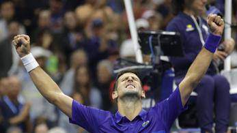 Djokovics visszavágott az olimpiáért, egy lépésre a csodától