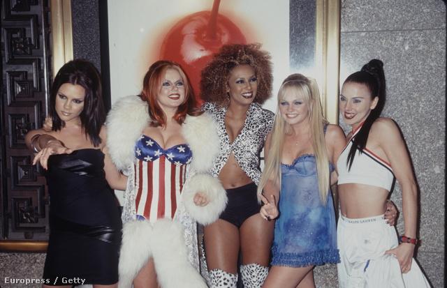 A Spice Girls aranykora. Ötből kettő a köldökvillantás-arány, de lesz ez még jobb is
