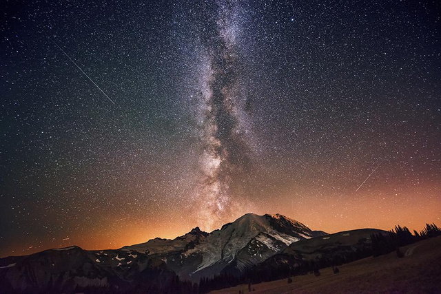 smithsonian-photo-contest-naturalworld-milkyway-galaxy-stars-mor
