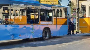 Villamos ment össze busszal Pesterzsébeten
