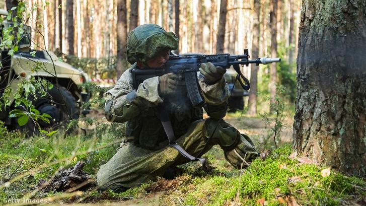 Orosz katona a Zapad-2021 hadgyakorlaton 2021 szeptember 10-én
