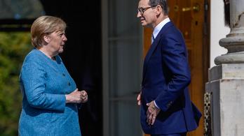 Merkel: A politika több annál, mint hogy csak bíróságra járjunk