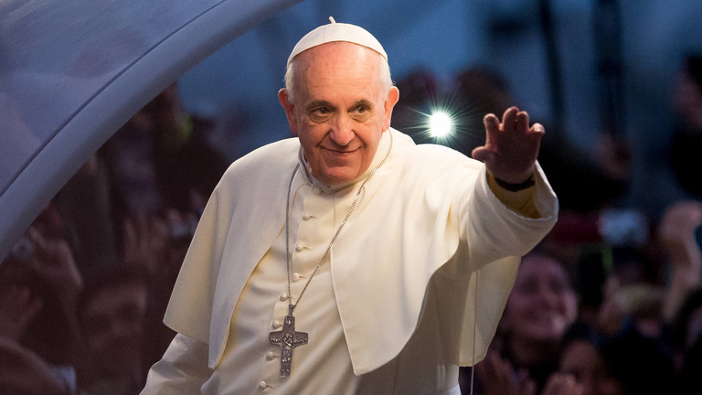 Helyre akarja-e tenni Ferenc pápa a magyar miniszterelnököt?
