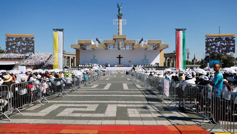 Ne érjük be a hit külsőségeivel – üzente Ferenc pápa Budapestről