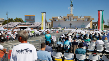 Több százezren voltak jelen Ferenc pápa miséjén