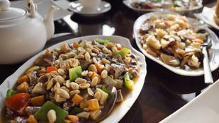 Kacsa stir-fry gyömbérrel és rengeteg zöldséggel