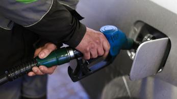 Sosem volt még ilyen drága a benzin, mint szerdától lesz