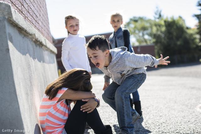 Megszakad az ember szíve, ha a gyerekét csúfolják