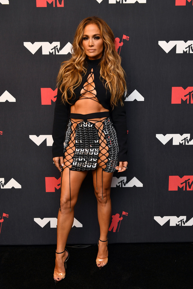 Vasárnap este megtartották az MTV Video Music Awards-ot, és mivel ez a gála zenészkörökben egy igazi Oscar-gálának számít, így nem véletlen, hogy az eseményen felvonuló hírességek kitettek magukért outfitek terén