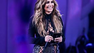 Jennifer Lopezről lemaradt a bugyi - az MTV VMA díjátadó legextrémebb szettjei