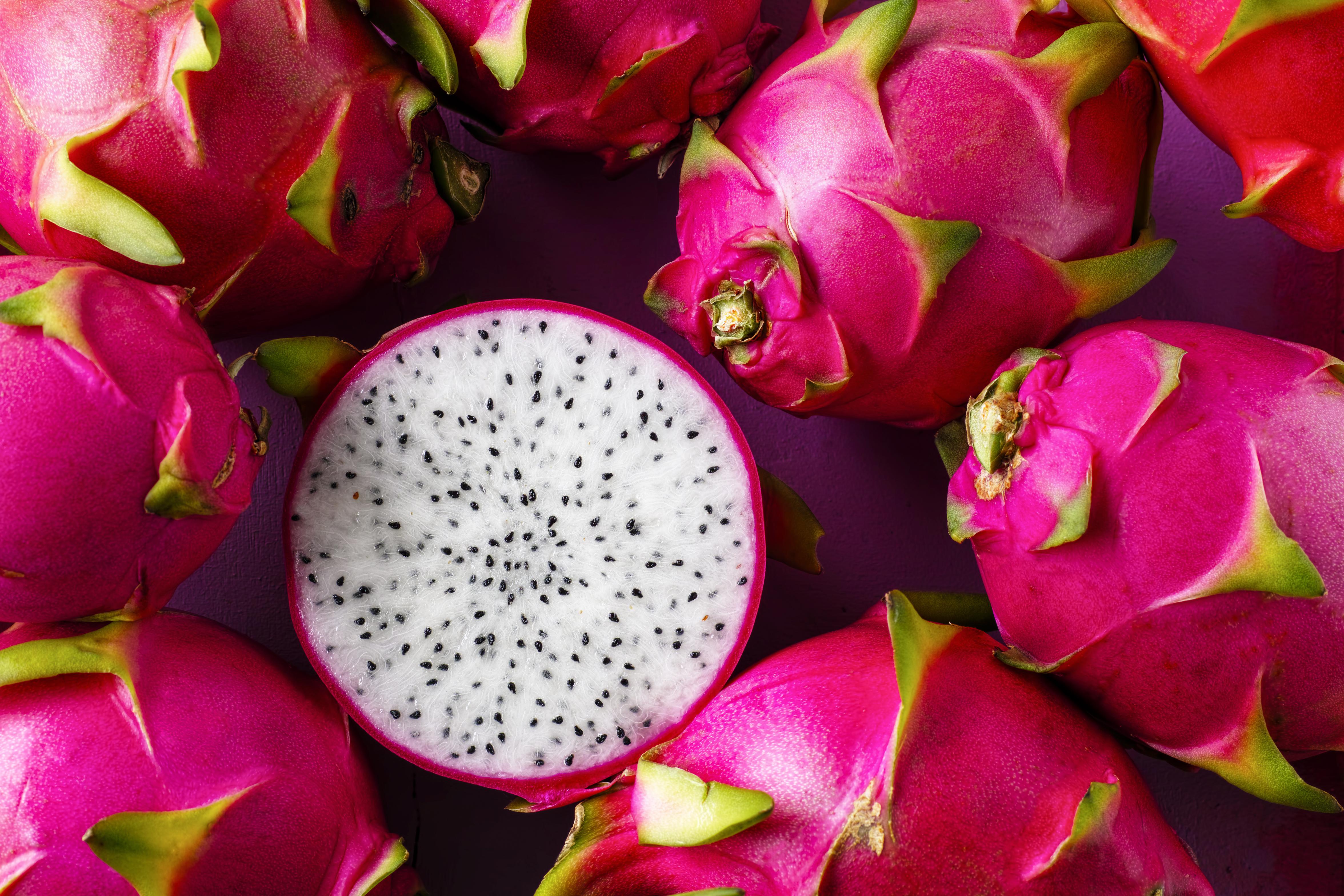 A mutatós gyümölcs itthon is egyre elterjedtebb, elsősorban zabkását vagy limonádét ízesítenek vele. Miről van szó?