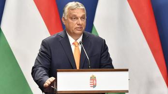 Orbán aláírta, ezreknek jár ösztöndíj az önköltséges képzés helyett