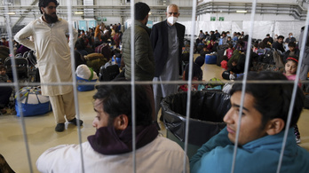 Három hónapig látja el a kimenekített afgánokat a magyar állam