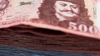 Nettó 200 ezer feletti minimálbért sürgetnek a közszférában