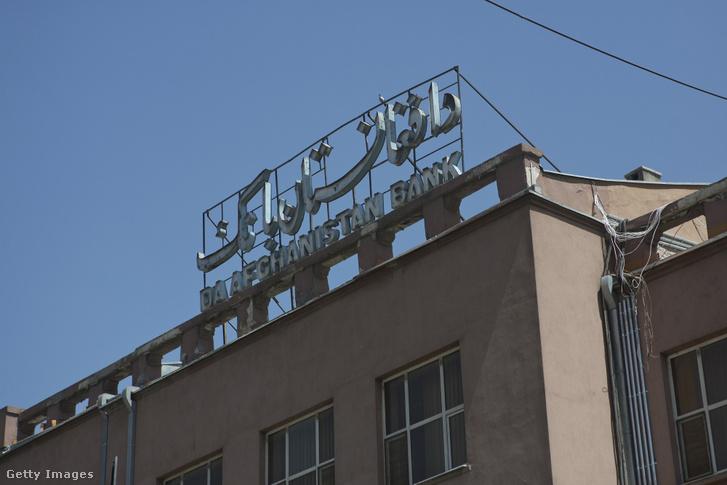 Az afgán központi bank épülete Kabulban 2013 augusztus 6-án