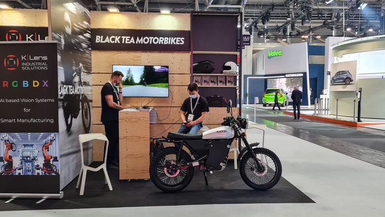 A Wey Caffee 01 és 02 kínai SUV-k mellett a Fekete Tea nevű villanyos motorkerékpár képviselte még a koffein-vonalat
