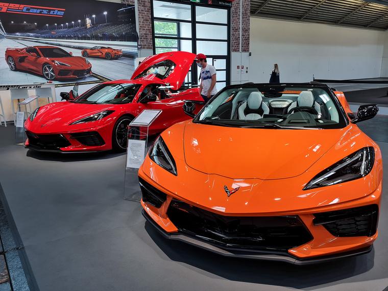 Az új, középmotoros Corvette-et még nem láttam élőben, és itt se a gyár állította ki, hanem a Geiger tuner cég