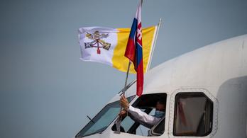 Ferenc pápa befejezte szlovákiai látogatását