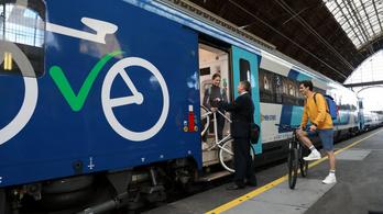 Fejlesztik a kerékpáros közlekedést a fővárosban és környékén