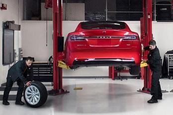Tesla szerviz nyílik Budapesten