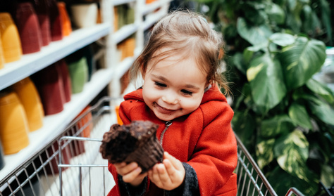 Miért szeretik a gyerekek annyira az édességet? Tényleg csillapítja még a fájdalmukat is?
