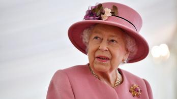 II. Erzsébet királynő arat a lóversenyeken