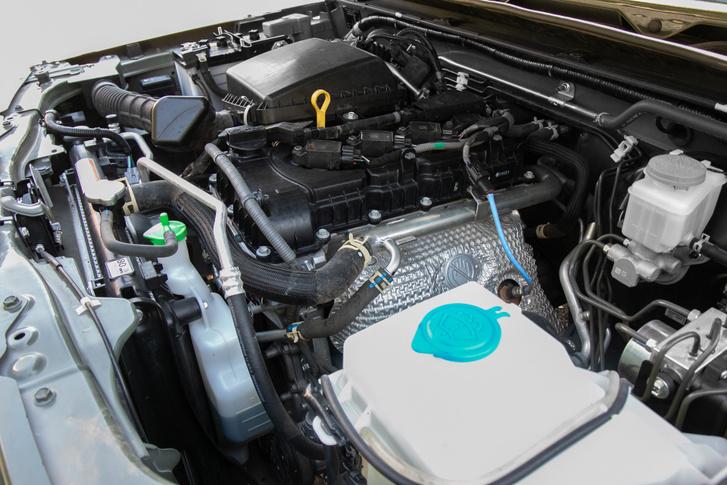 A K15B 101 lóerős és 130 Nm a nyomatéka. Turbótlan villanyozatlan négyhengeres, ma már ritkaság