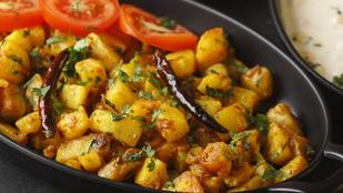 Pakisztáni fűszeres burgonya: vegáknak tejföllel, húsevőknek köretként tálald!