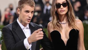 Justin Bieber kiakadt, miután exe rajongói megalázták a feleségét