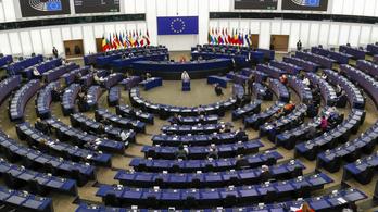 Könnyít az unión kívüliek munkavállalásán az EU