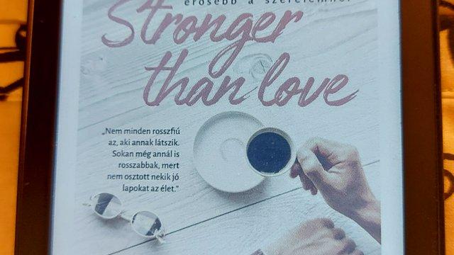 Robin O'Wrightly: Stronger than love - Erősebb a szerelemnél