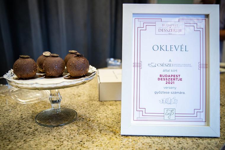 Negyedik alkalommal hirdette meg a Budapest desszertje versenyt a Magyar Csokoládé és Édesség Szövetség, melyet idén a Cocó7 Csokoládé Bolt és Látványműhely nyert.