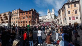 Olaszországban kötelező mindenkit beoltani, aki dolgozni akar