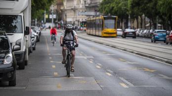 A budapesti vezetés szerint nem a nem létező biciklisáv miatt van dugó a Blahán