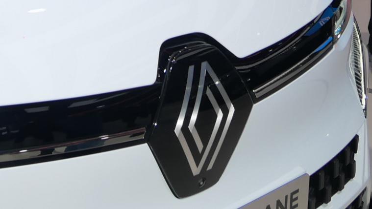 Kétezer fejlesztői állást szüntet meg a Renault